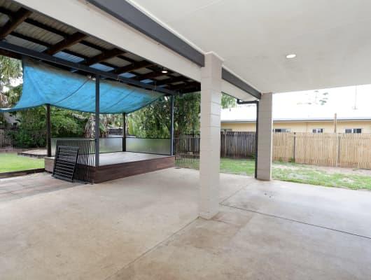 218 Robert Rd, Bentley Park, QLD, 4869