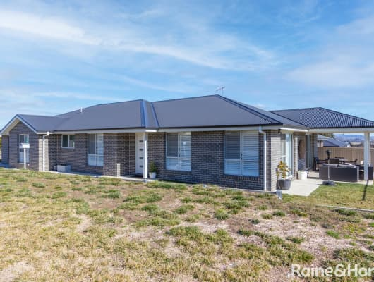2 Quigley Close, Kelso, NSW, 2795