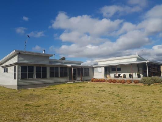 10 Margetts Street, Wallangarra, QLD, 4383