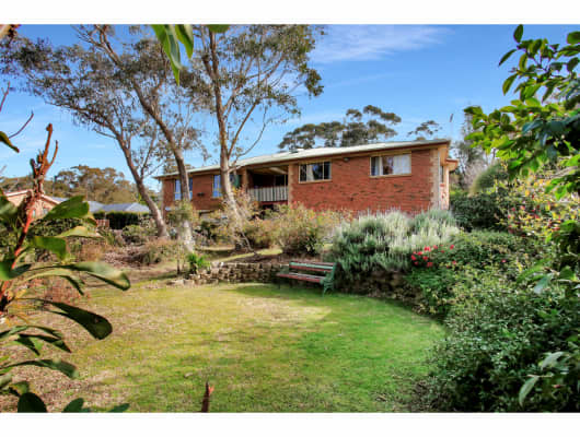 11 Flora Street, Wentworth Falls, NSW, 2782